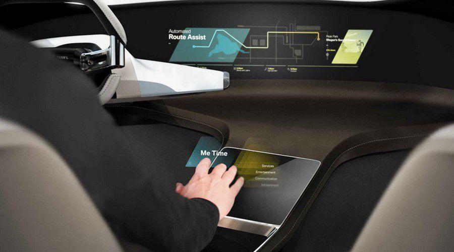 BMW-Hologramme-CES2017-WEB.jpg