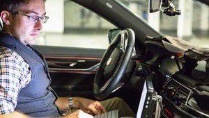 CES 2017 – BMW met 40 voitures autonomes sur le bitume