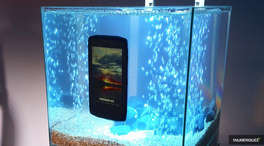 crosscall-trekker-x3-aquarium.jpg