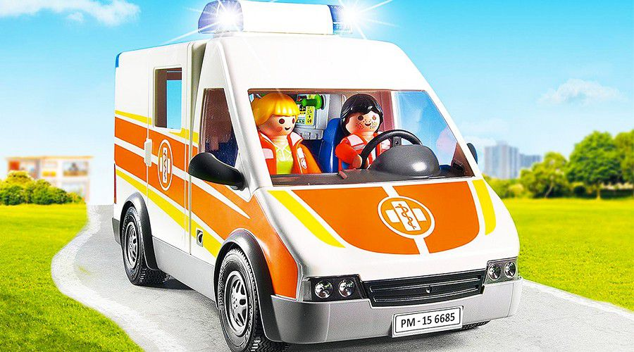 Ambulance-Playmobil.jpg