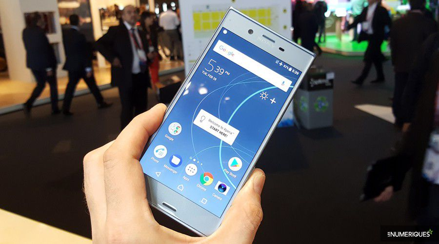 sony-xperia-xzs-face-stand.jpg