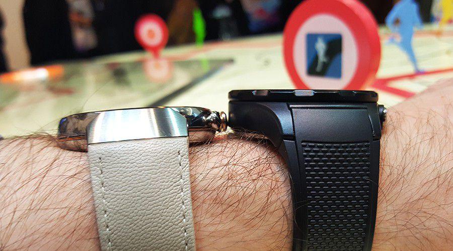 Prise_en_main_Huawei_Watch_2_Vs_Zenwatch3_épaisseur.jpg