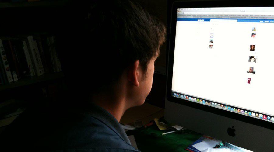 Facebook peut-il aider les annonceurs à cibler les ados vulnérables?