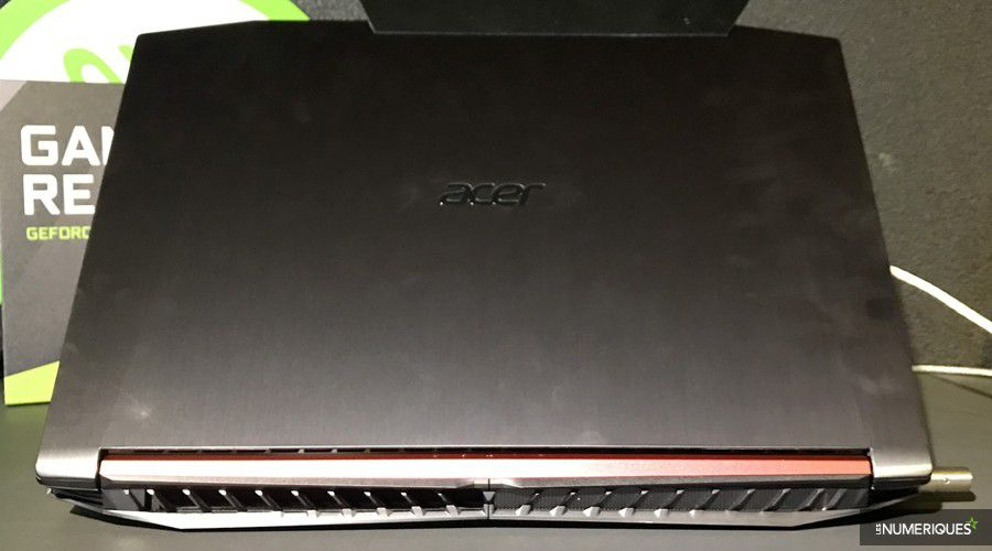 Acer Nitro 5-4.jpg