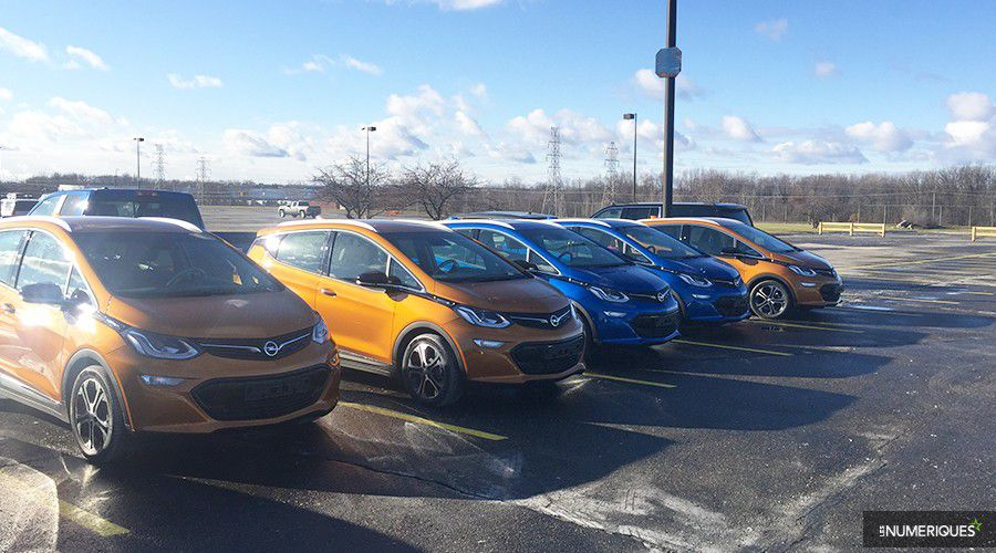 Opel-AmperaE-stock-WEB.jpg