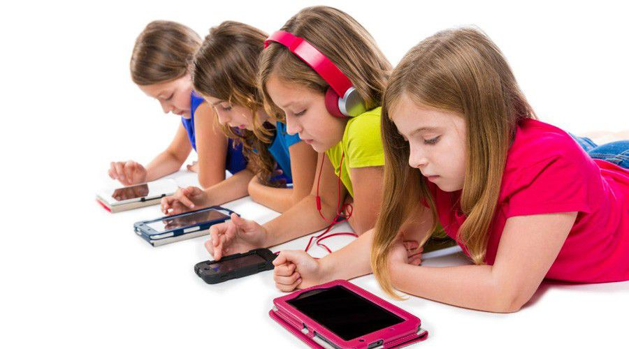 Children-smartphone-tablet-screens.jpg