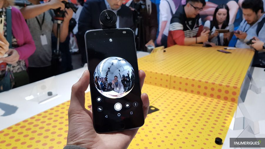 moto-mods-360-face-demo.jpg