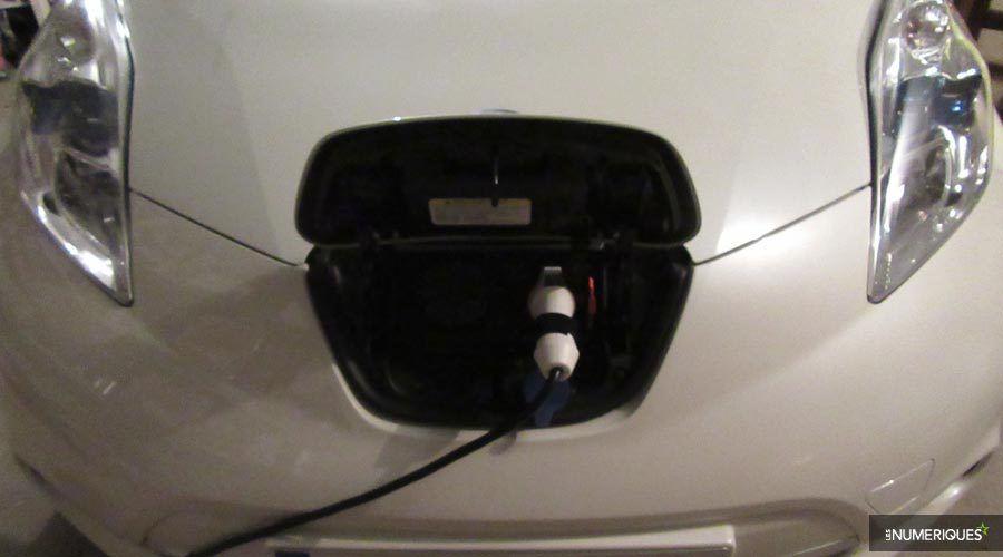 Nissan-Leaf-recharge-WEB.jpg