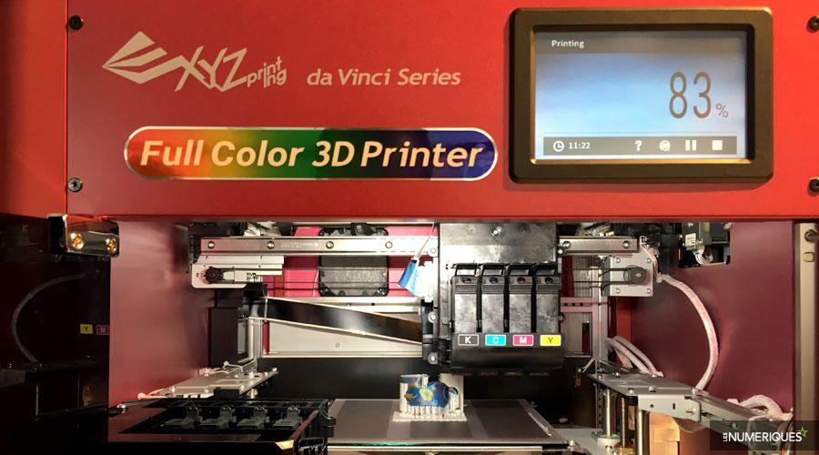 Imprimante 3D couleur XYZprinting da Vinci Color, détail du mécanisme d'impression