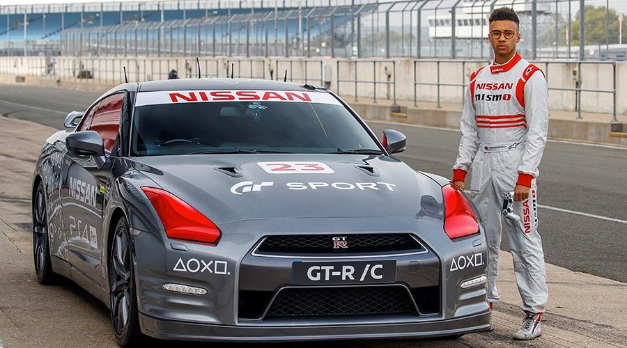 Nissan-GTRC-pilote-WEB.jpg