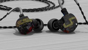 Earsonics lance ses ES5, des intras IEM à 5 transducteurs