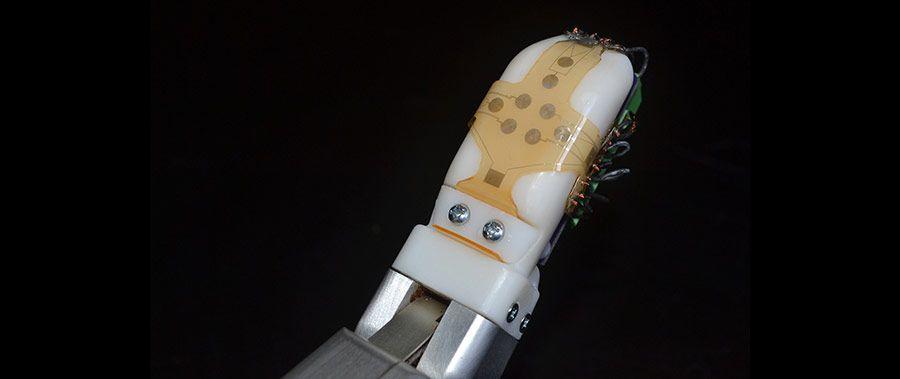 UW-robot-doigt.jpg