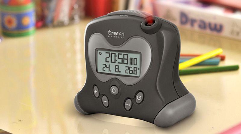RM313P, un réveil radio piloté par une horloge atomique