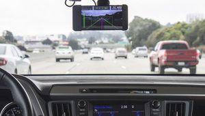 GeoHot est de retour avec une <i>dashcam</i> programmable à 699$