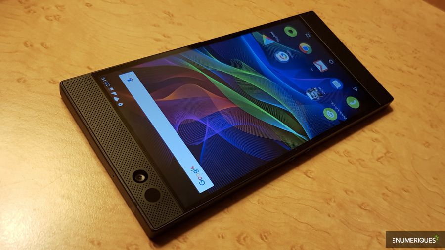 razer-phone-hp.jpg