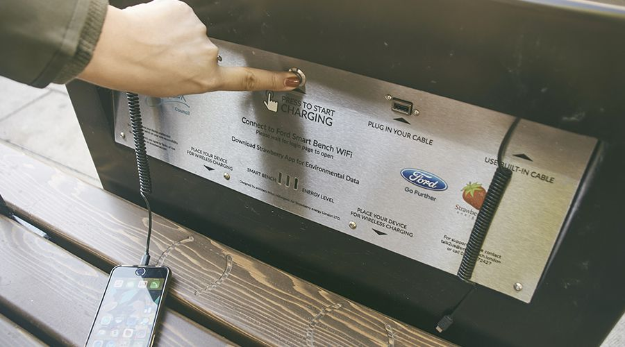 Ford-Bench-charging-WEB.jpg