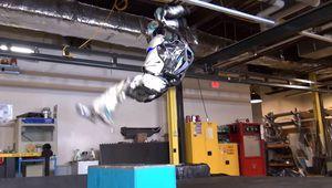 Vidéo: le robot Atlas maîtrise maintenant le salto arrière