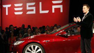 Tesla: des puces maison pour l'IA de ses voitures autonomes