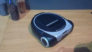 Bosch présente Roxxter, son tout premier aspirateur-robot