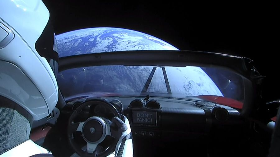 Tesla Roadtser Starman Terre