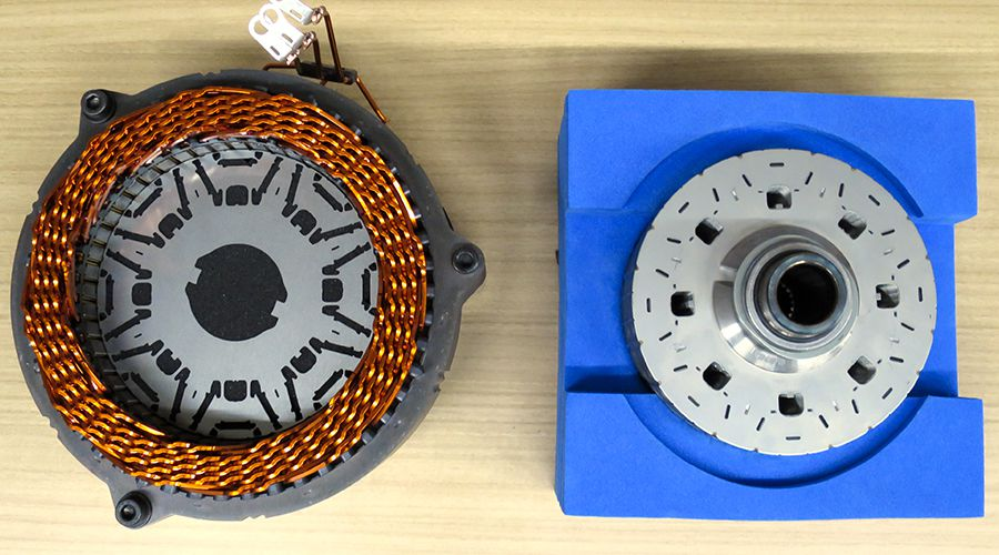 Toyota-moteur-Prius-4-WEB.jpg
