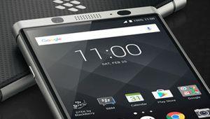 BlackBerry attaque Facebook, brandissant ses brevets sur la messagerie