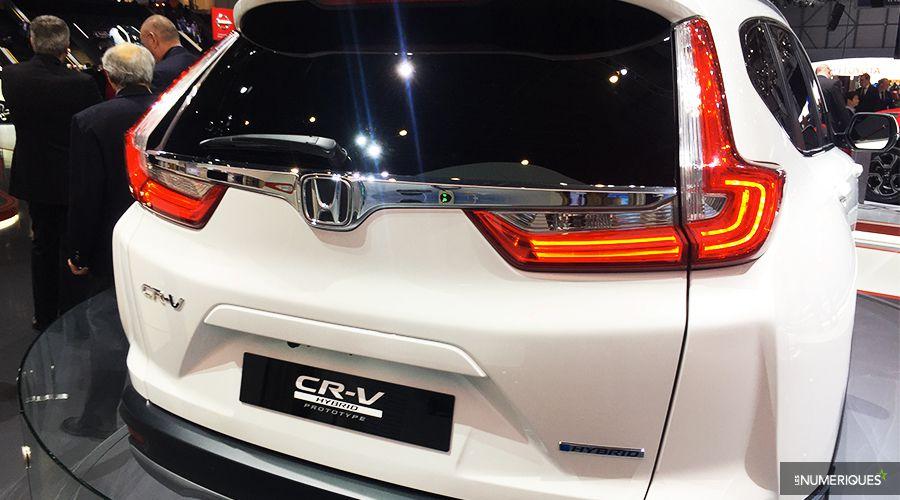 Honda-CRV-Hybrid-back-WEB.jpg