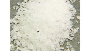 IBM présente un PC pas plus gros qu'un grain de sel