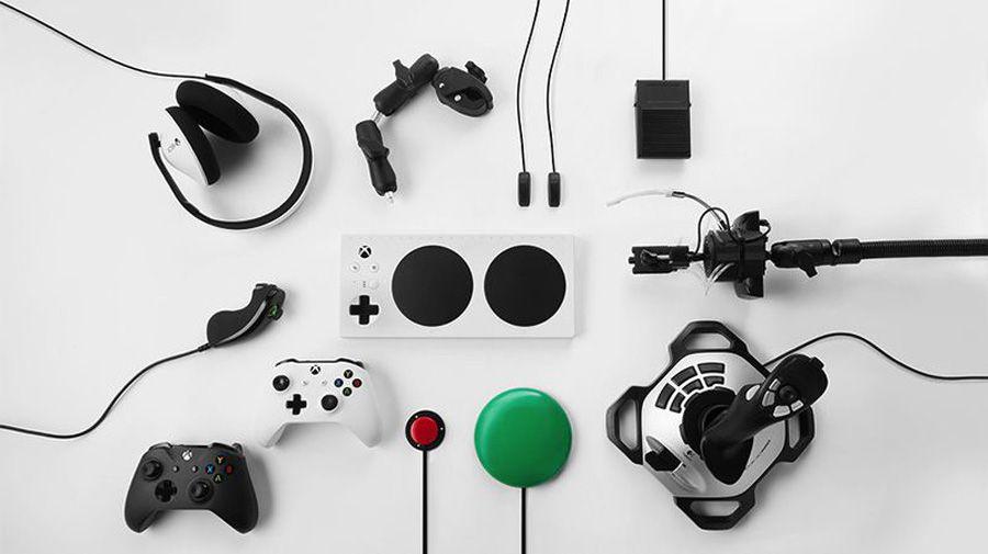 1_Microsoft Xbox Adaptive Controller 2.jpg