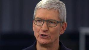 Tim Cook admet passer trop de temps sur son iPhone