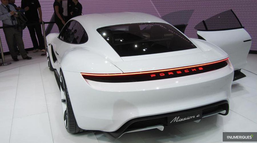 Porsche-Mission-E-Francfort_2-WEB.jpg