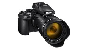 Nikon Coolpix P1000 : un zoom 125x 24-3000 mm