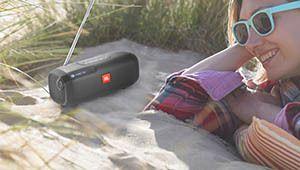 JBL lance une radio portable, la Tuner