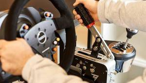"Le TSS Handbrake Sparco Mod compatible PS4 et Xbox One en version ""+"""