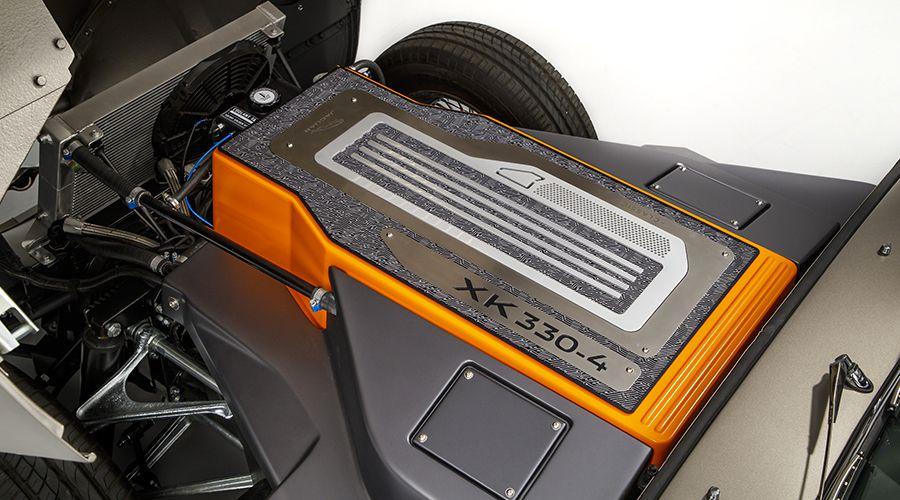 Jaguar-E-Type-Zero_engine-WEB.jpg