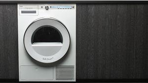 De la vapeur pour défroisser les textiles dans le sèche-linge T409HS.W