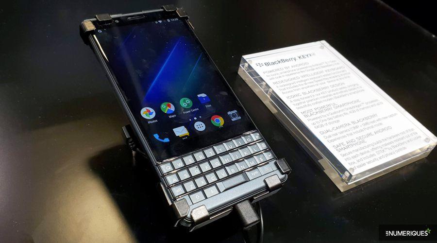 blackberry-key-2-LE-face.jpg