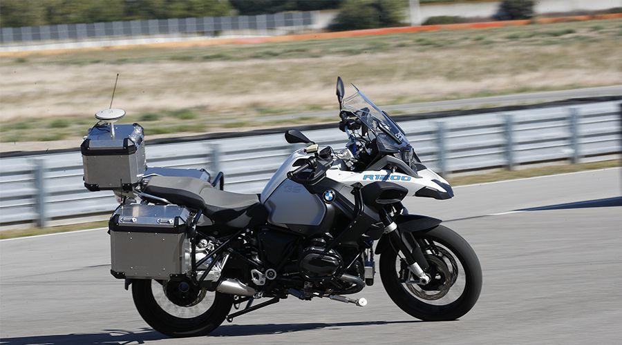 R&D - BMW dévoile une R1200GS autonome !