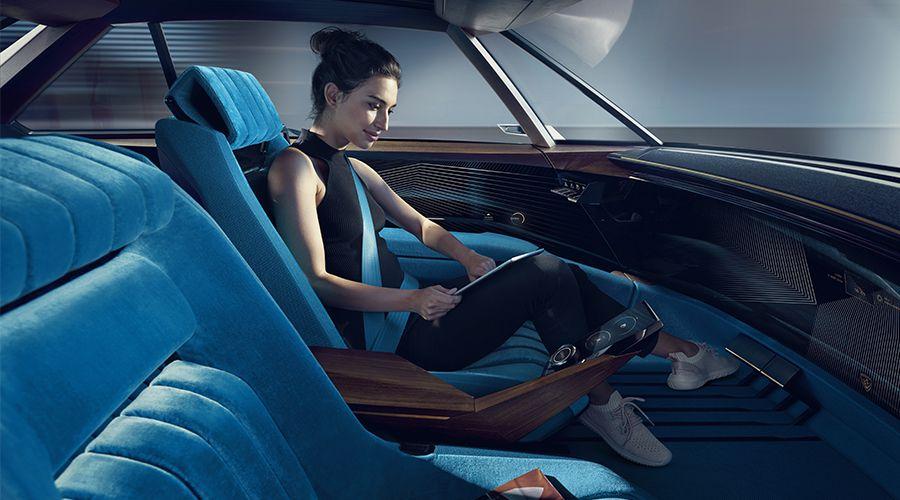 Peugeot-e-Legend-Concept_autonome-WEB.jpg
