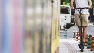 Trottinettes électriques: pas de permis et pas de trottoirs