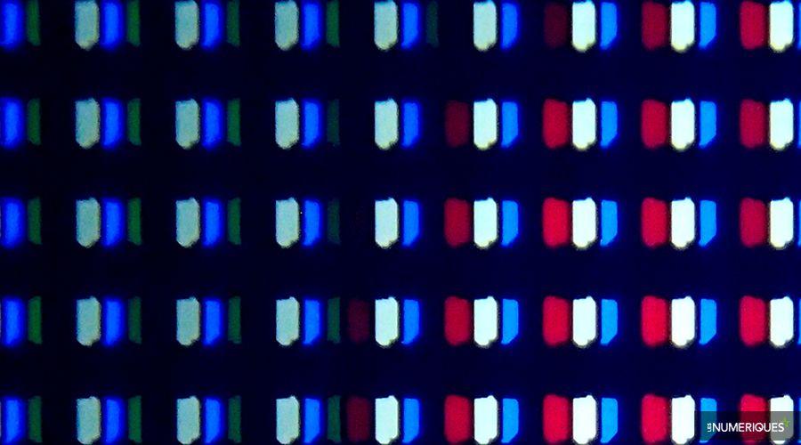 TV-Philips-Oled-sous-pixels.jpg