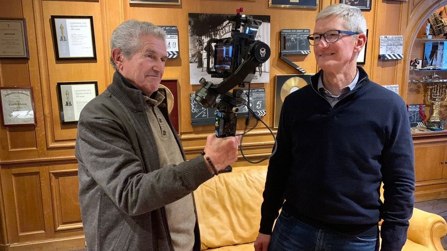 tim cook à paris.jpg