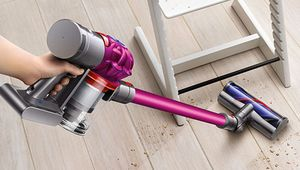 [Épuisé] Black Friday – Aspirateur-balai Dyson V7 Fluffy à 299 €
