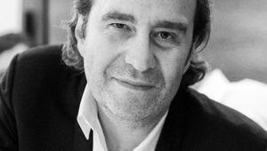 """Xavier Niel & les """"lois fantastiques"""" du """"super président"""" Macron"""