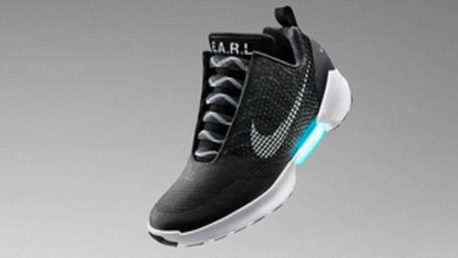 MàJ] Nike lance les Adapt BB autolaçantes à 350 $ Les
