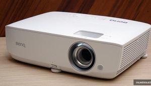 Soldes 2019 – Le vidéoprojecteur BenQ W1050S à 469€