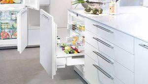Un réfrigérateur à porte coulissante chez Liebherr
