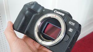 Compacité et légèreté: les maîtres-mots du Canon EOS RP