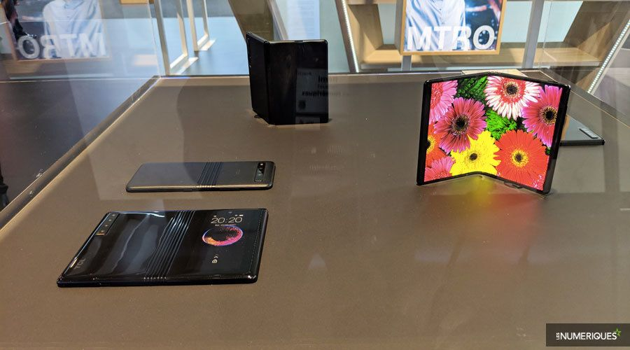 tcl-smartphones-pliables-3.jpg