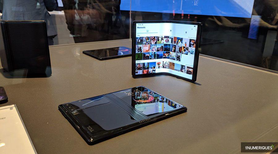 tcl-smartphones-pliables-4.jpg